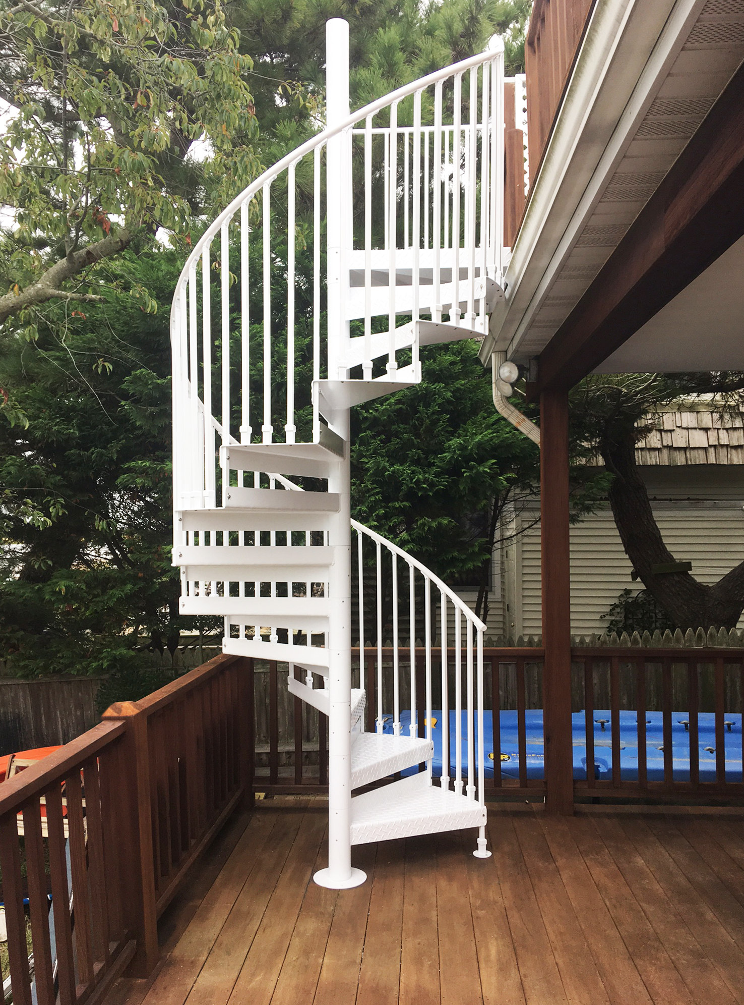 Picture of: Discover The Ultimate Staircase Alternative Trex Spiral Stairs